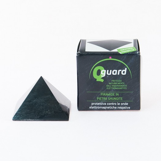 Q-GUARD PIRAMIDE IN PIETRA SHUNGITE